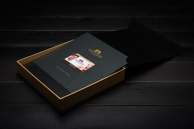 Cofanetto con fidelity card